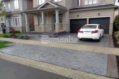 The 2017 Silver Award for Best Bomanite Imprint Project under 12,000 SF was presented to our colleague Bomanite Toronto for their utilization of the Bomacron Yorkshire Stone imprint pattern that was set at a 45-degree angle to create striking design detail and complement the driveway and front patio.